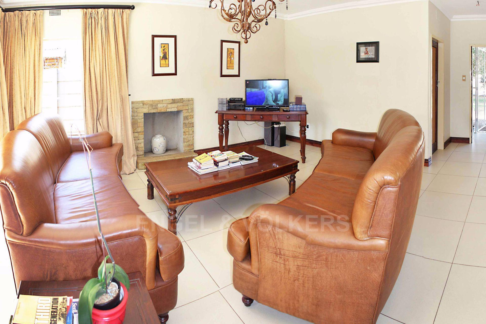Waterkloof Ridge property for sale. Ref No: 13488804. Picture no 6