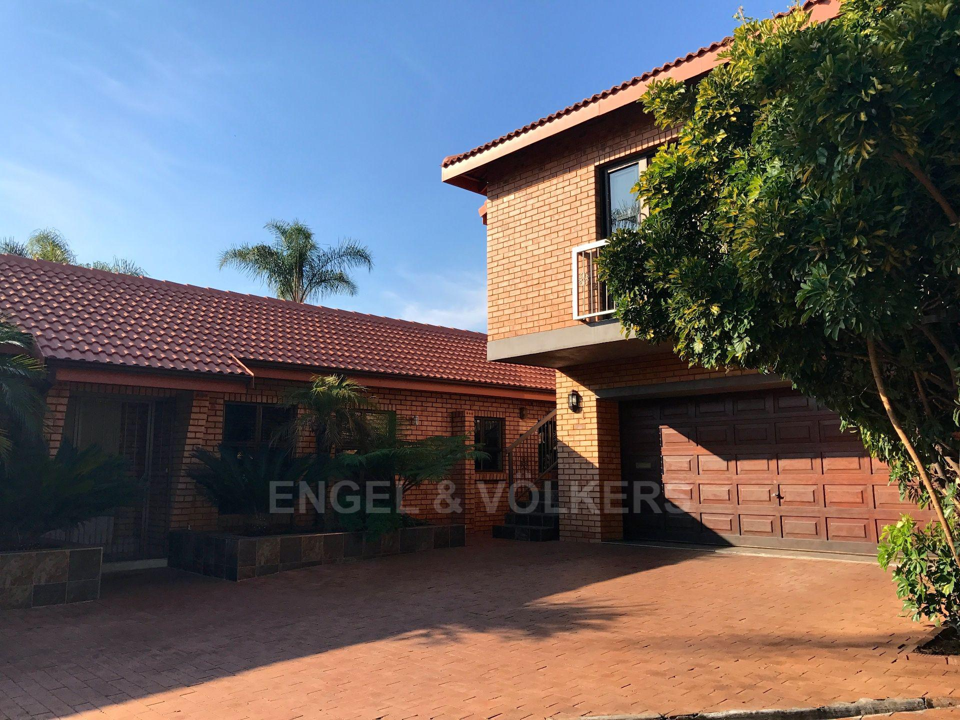 Pretoria, Waterkloof Property    Houses For Sale Waterkloof, WATERKLOOF, House 4 bedrooms property for sale Price:4,500,000