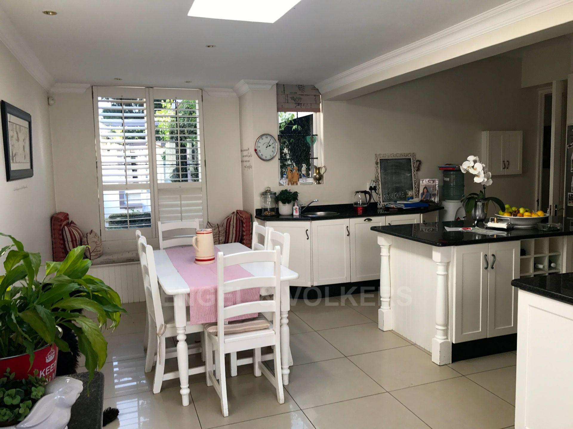 Waterkloof Ridge property for sale. Ref No: 13492696. Picture no 25