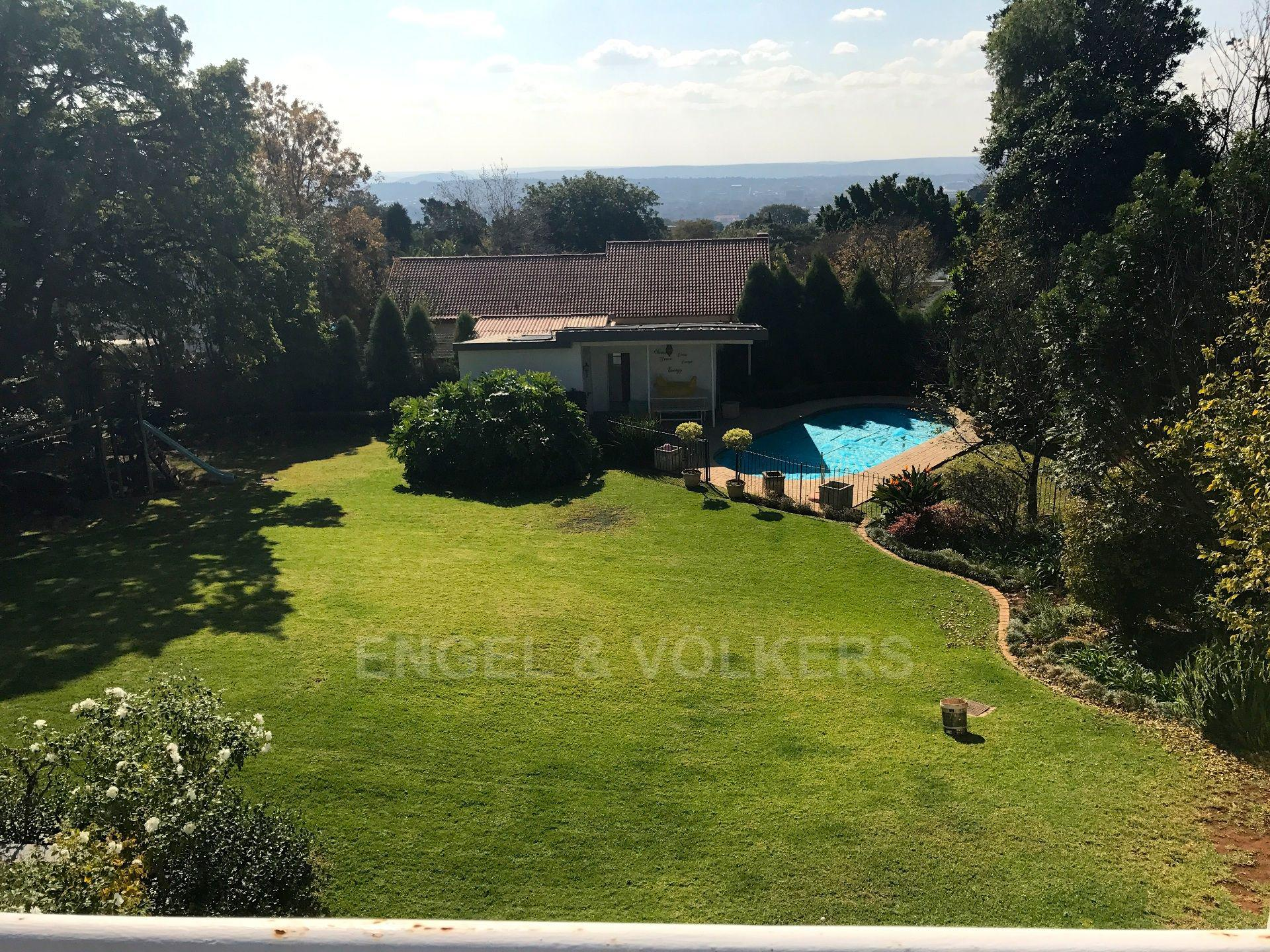 Waterkloof Ridge property for sale. Ref No: 13492696. Picture no 4