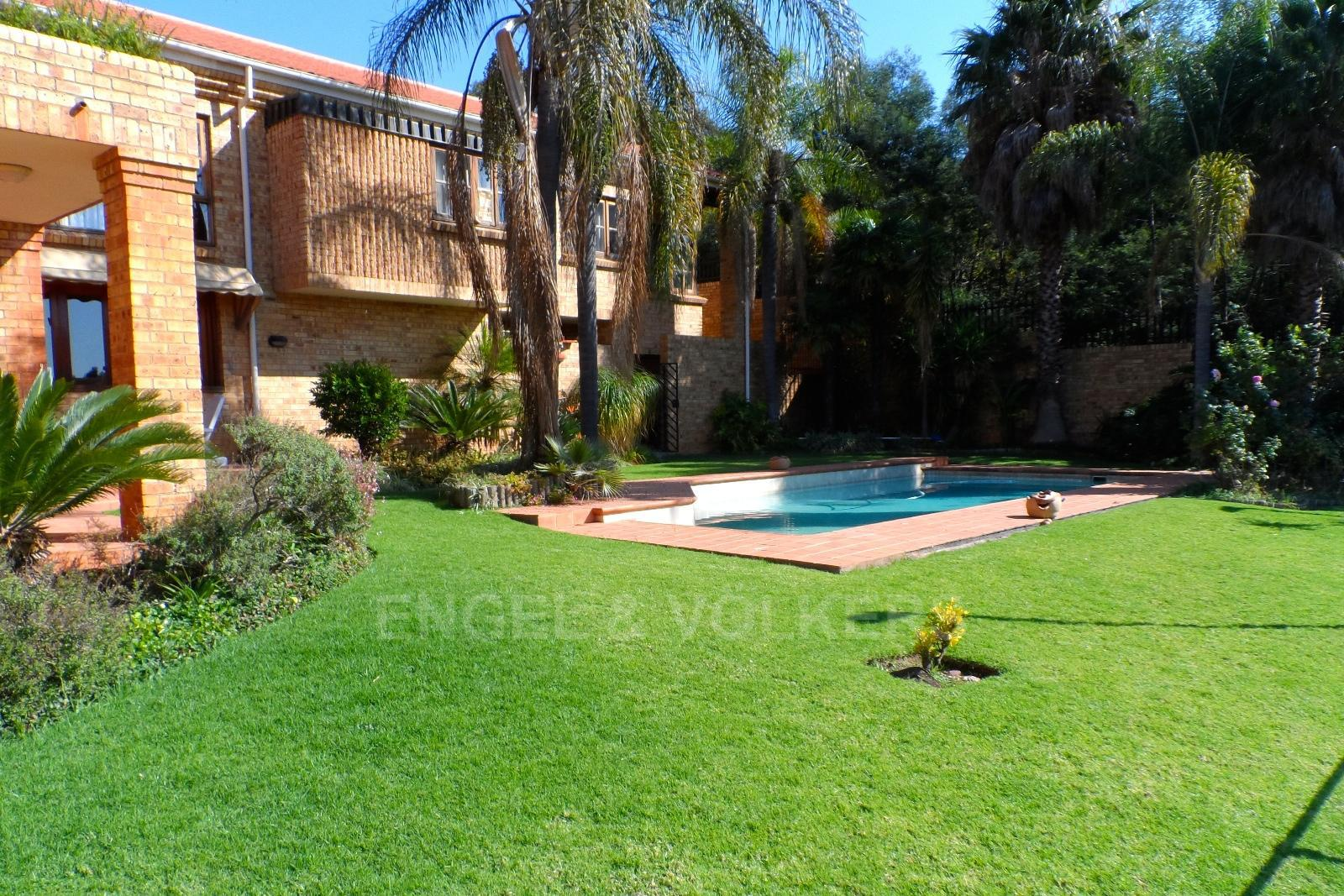 Waterkloof Ridge property for sale. Ref No: 13347652. Picture no 3