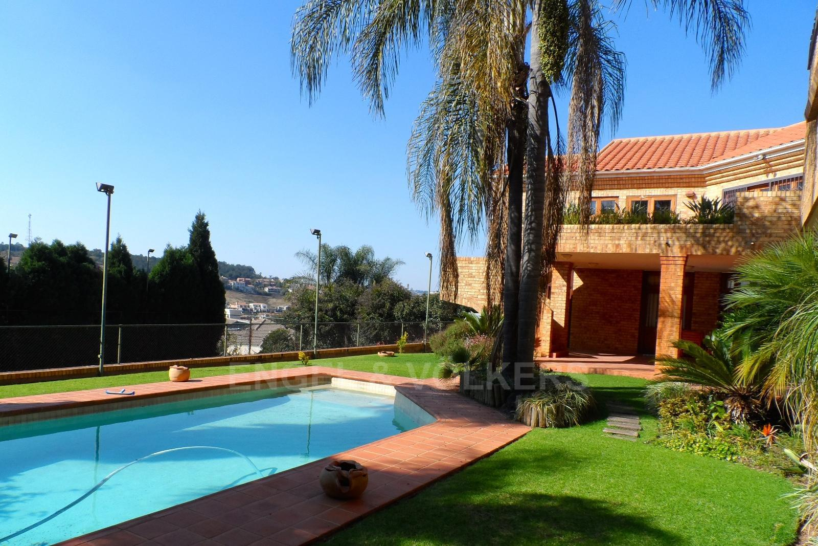 Waterkloof Ridge property for sale. Ref No: 13347652. Picture no 1