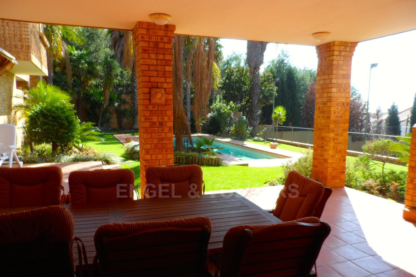 Waterkloof Ridge property for sale. Ref No: 13347652. Picture no 6