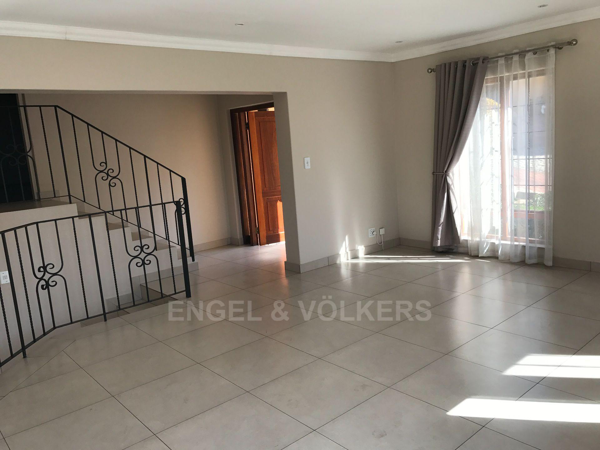 Waterkloof property for sale. Ref No: 13500498. Picture no 7