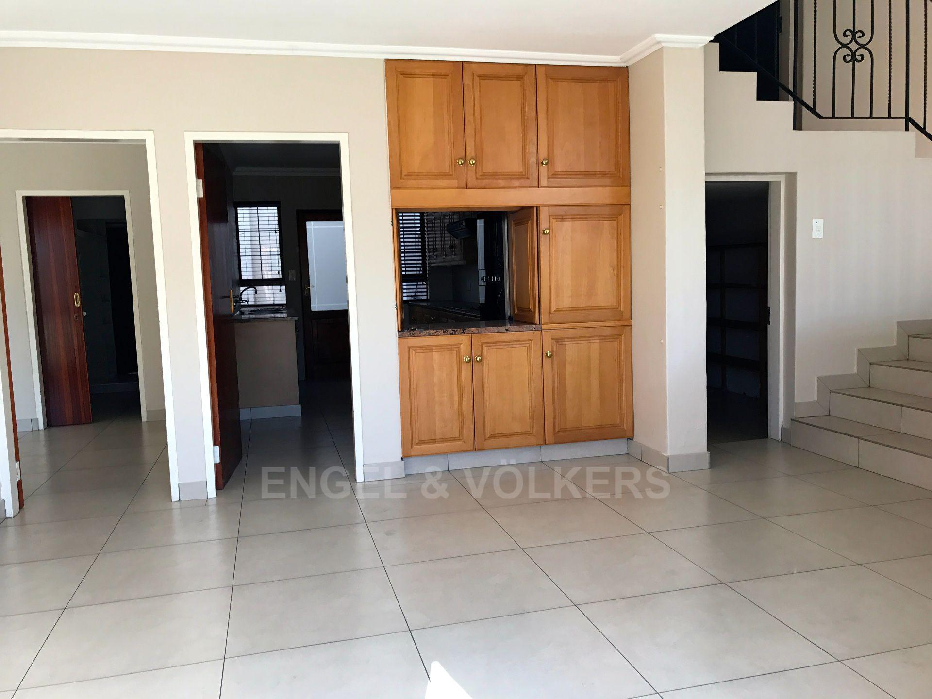 Waterkloof property for sale. Ref No: 13500498. Picture no 9