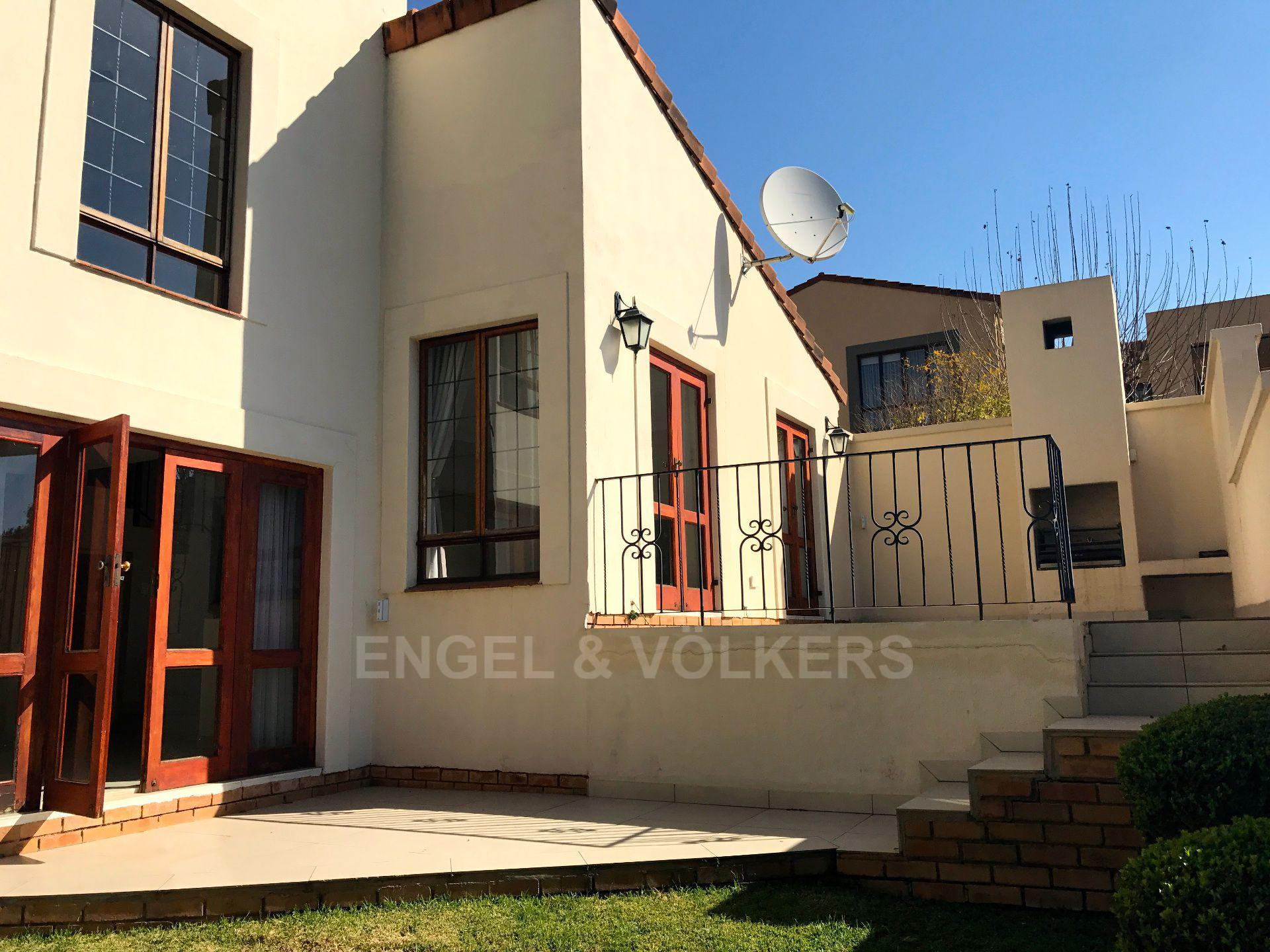Waterkloof property for sale. Ref No: 13500498. Picture no 19