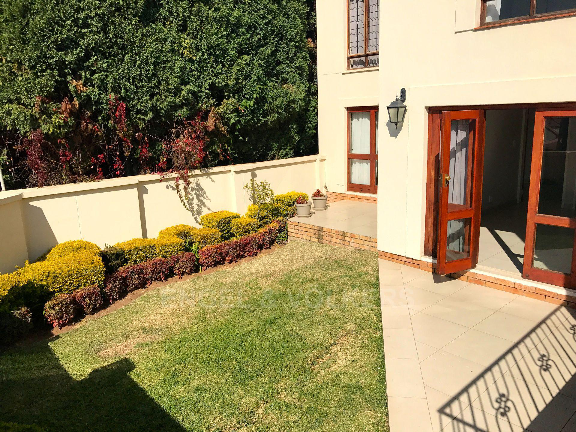 Waterkloof property for sale. Ref No: 13500498. Picture no 21