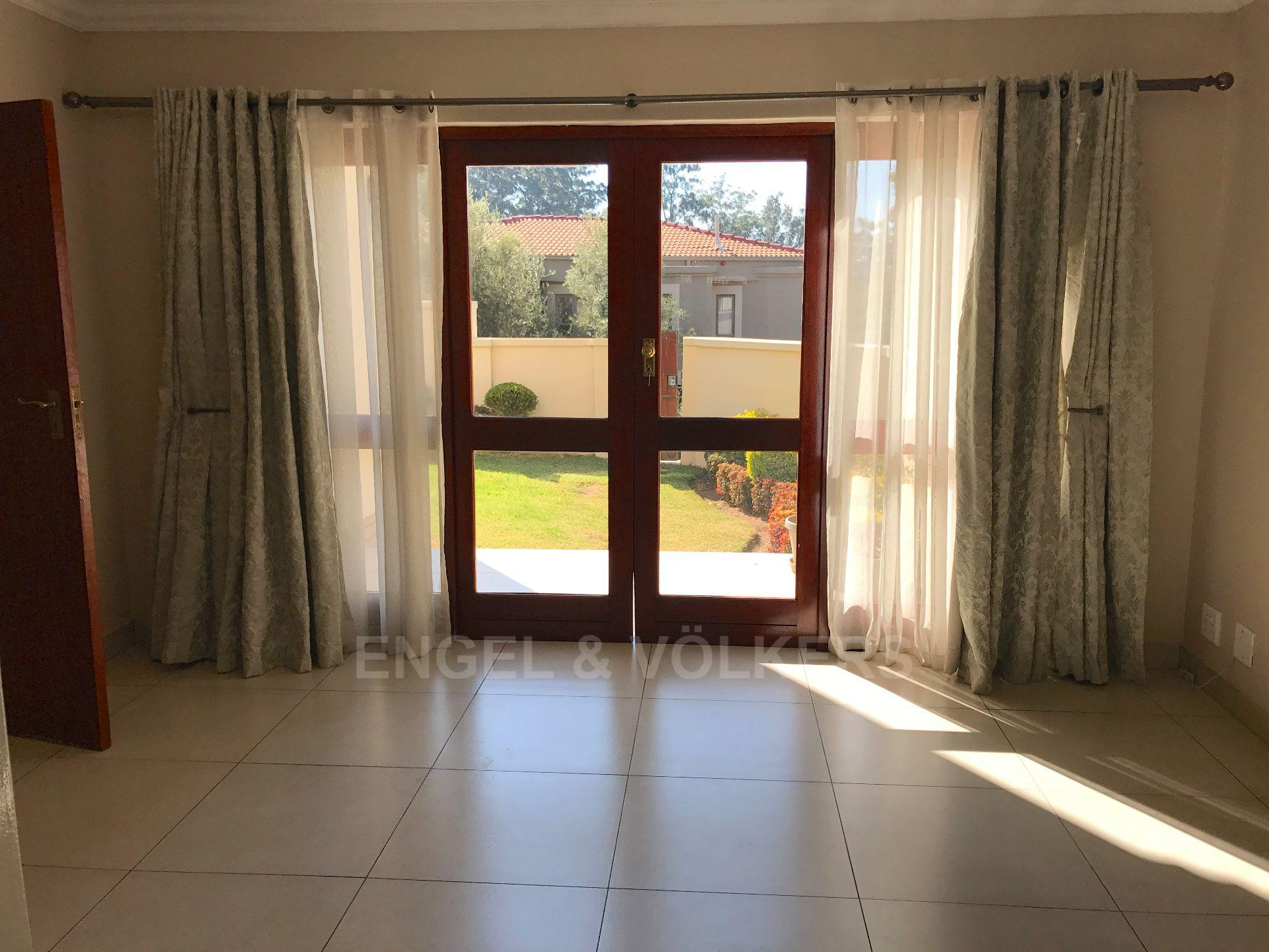 Waterkloof property for sale. Ref No: 13500498. Picture no 13