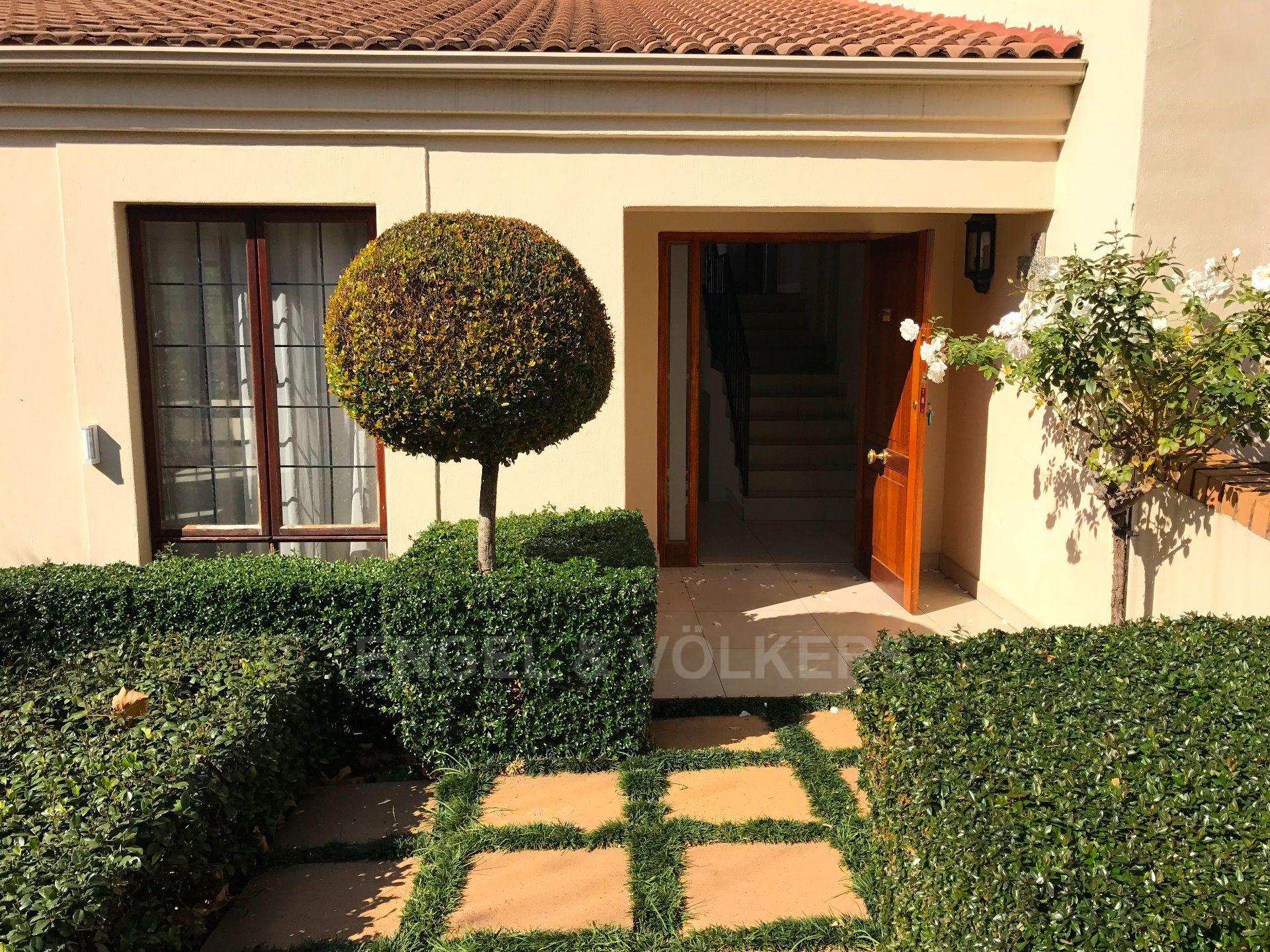 Waterkloof property for sale. Ref No: 13500498. Picture no 3