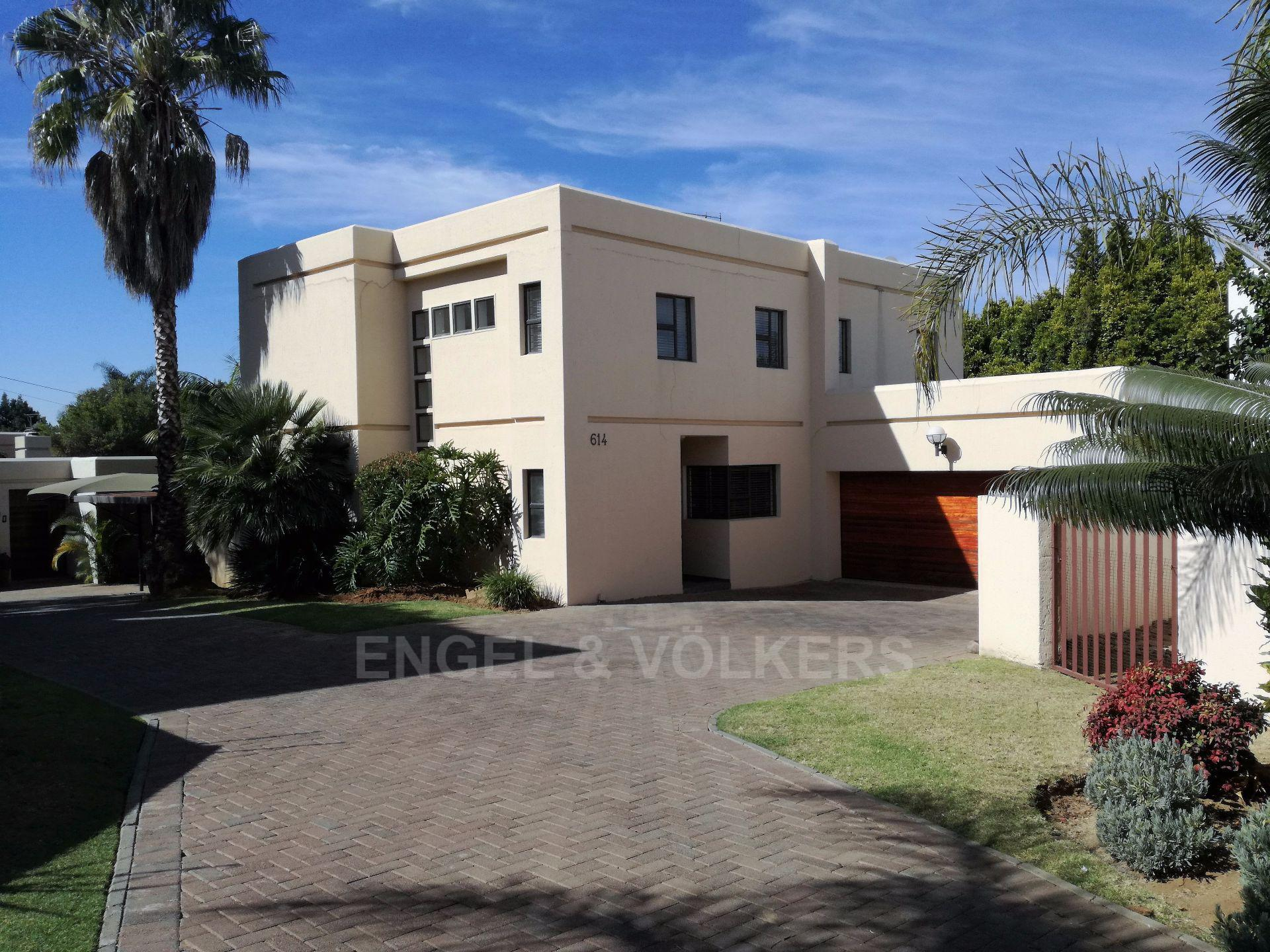 Property and Houses for sale in Erasmuskloof, House, 3 Bedrooms - ZAR 2,450,000