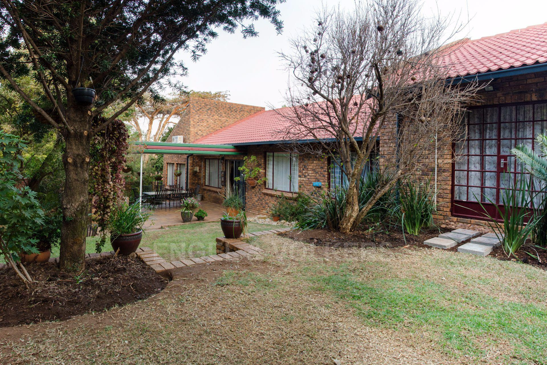 Property and Houses for sale in Erasmuskloof, House, 4 Bedrooms - ZAR 2,350,000