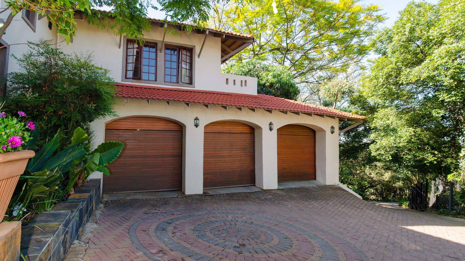 Groenkloof property for sale. Ref No: 13547931. Picture no 2