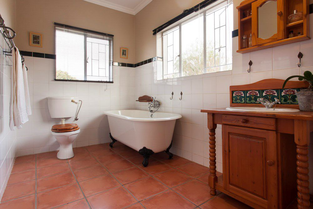 Waterkloof Glen property for sale. Ref No: 13540744. Picture no 11