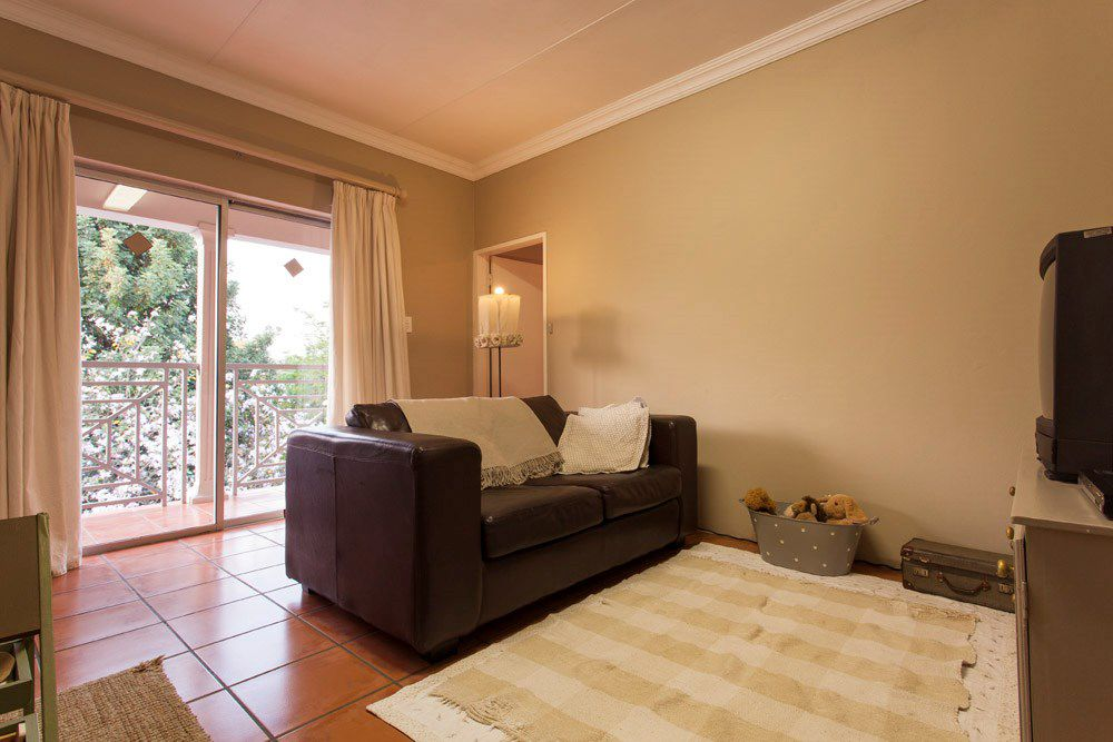 Waterkloof Glen property for sale. Ref No: 13540744. Picture no 12