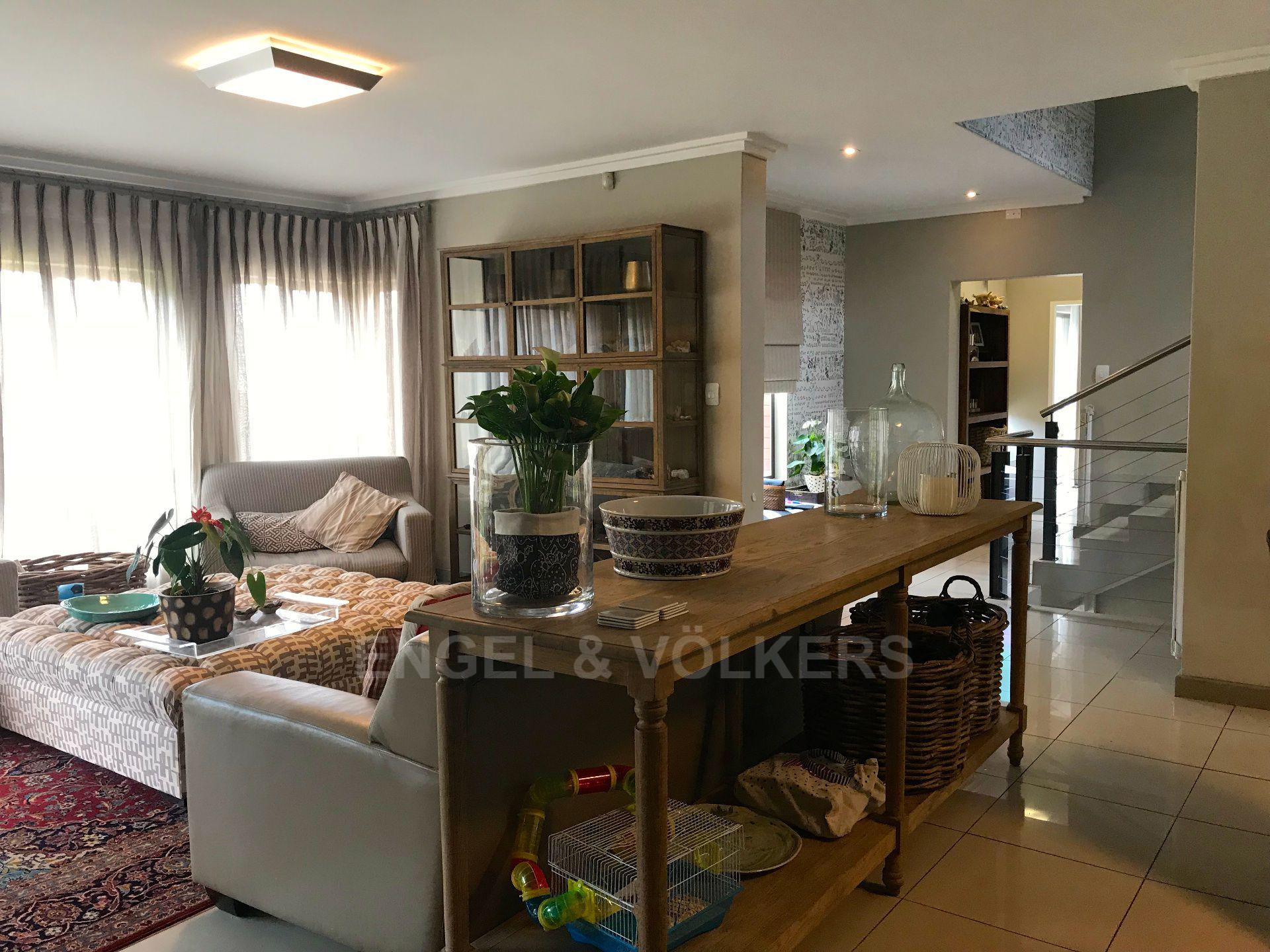 Waterkloof Ridge property for sale. Ref No: 13555526. Picture no 4