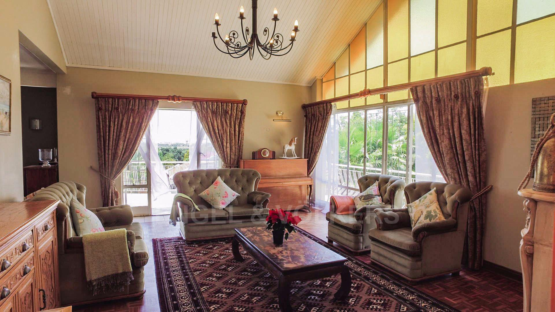 Waterkloof Ridge property for sale. Ref No: 13565220. Picture no 3