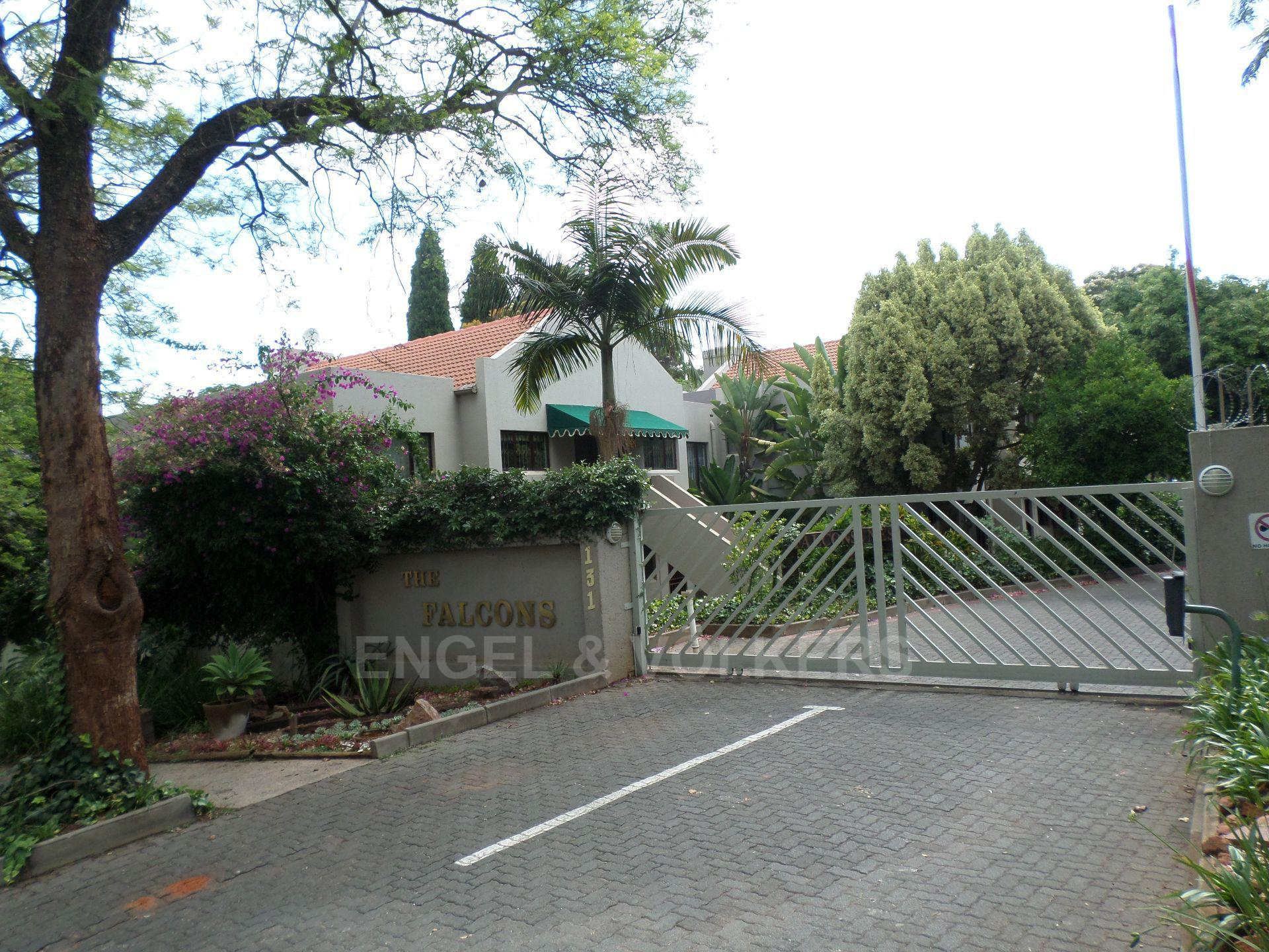 Property and Houses for sale in Eastwood, Simplex, 2 Bedrooms - ZAR 1,049,000