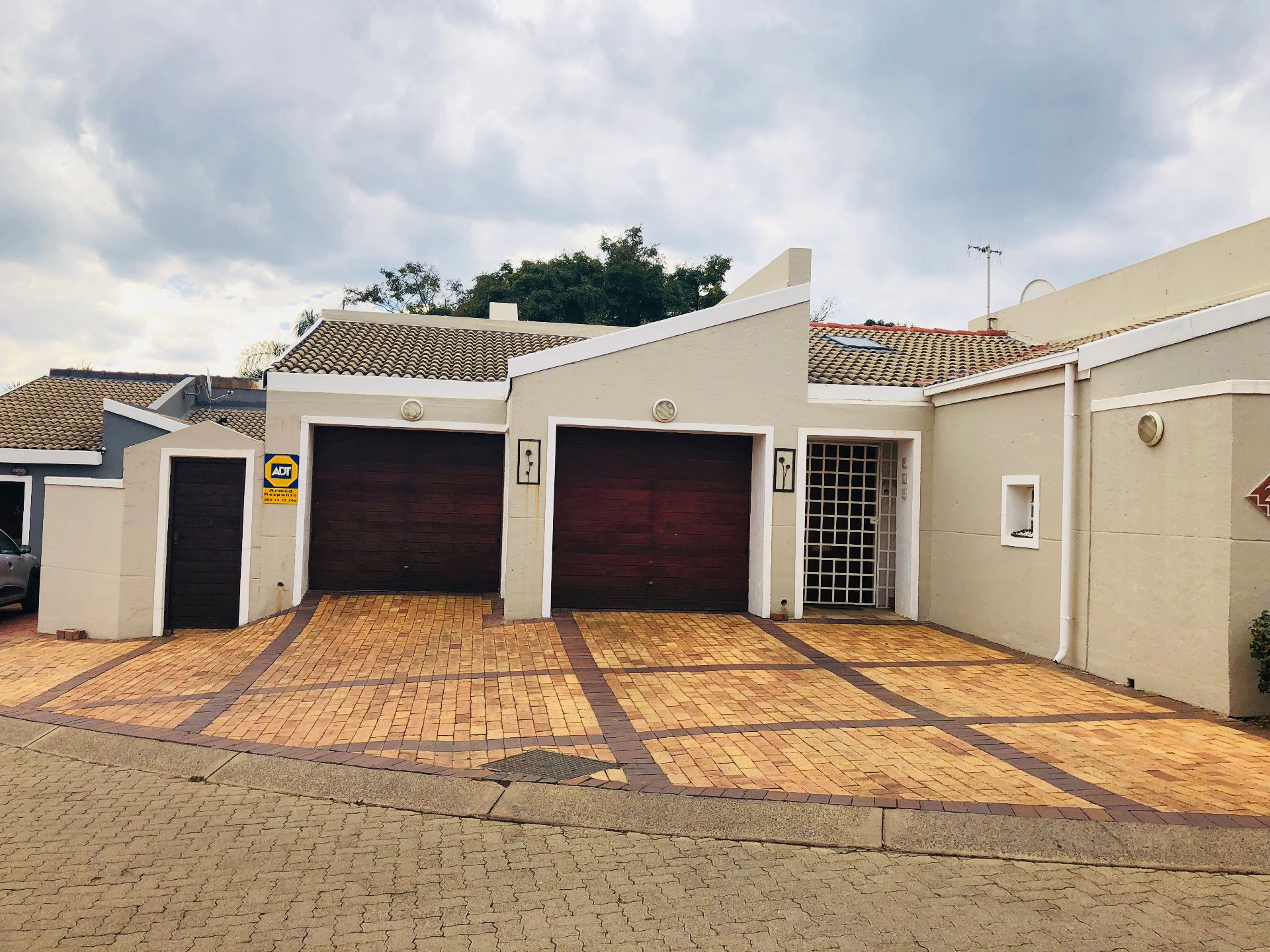 Property and Houses for sale in Monument Park, House, 3 Bedrooms - ZAR 2,599,000