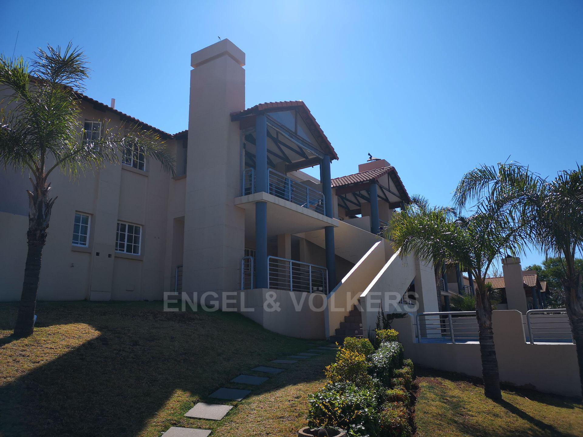 Property and Houses for sale in Erasmuskloof, Simplex, 2 Bedrooms - ZAR 1,295,000