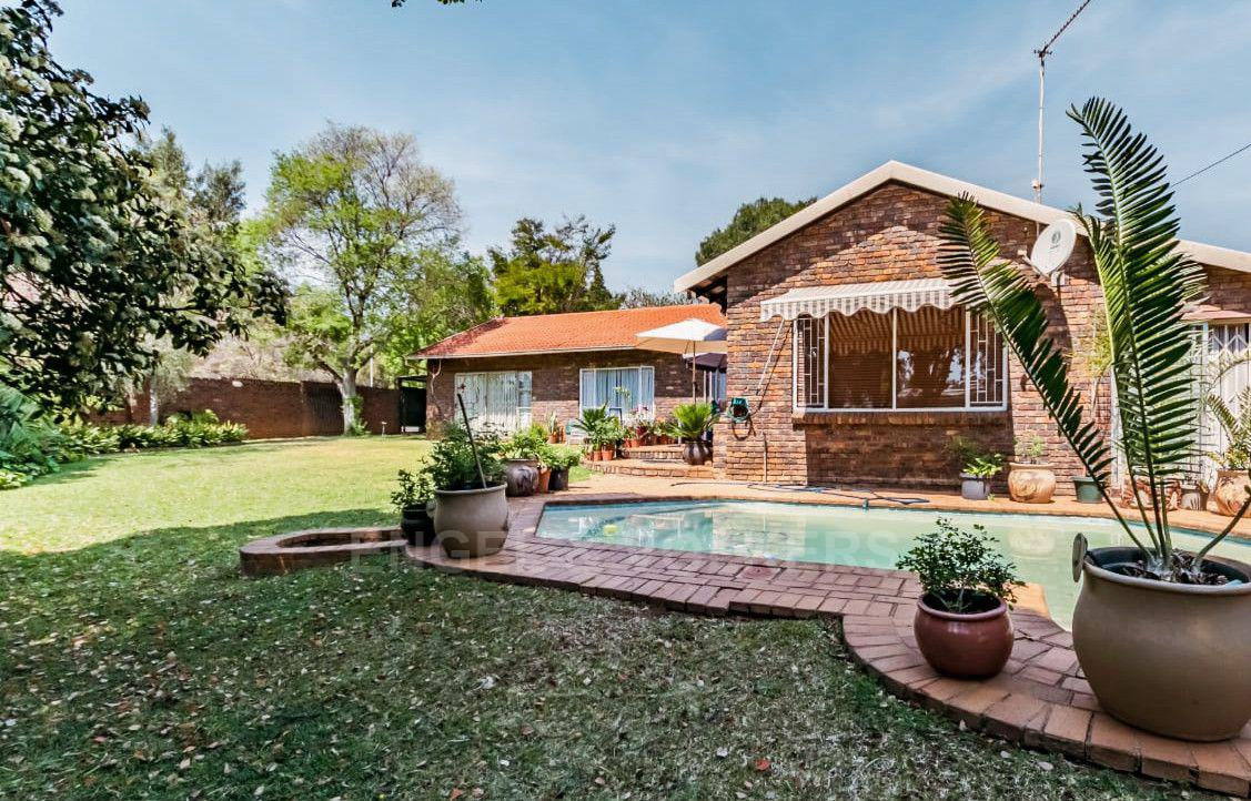 Property and Houses for sale in Newlands, House, 4 Bedrooms - ZAR 2,595,000