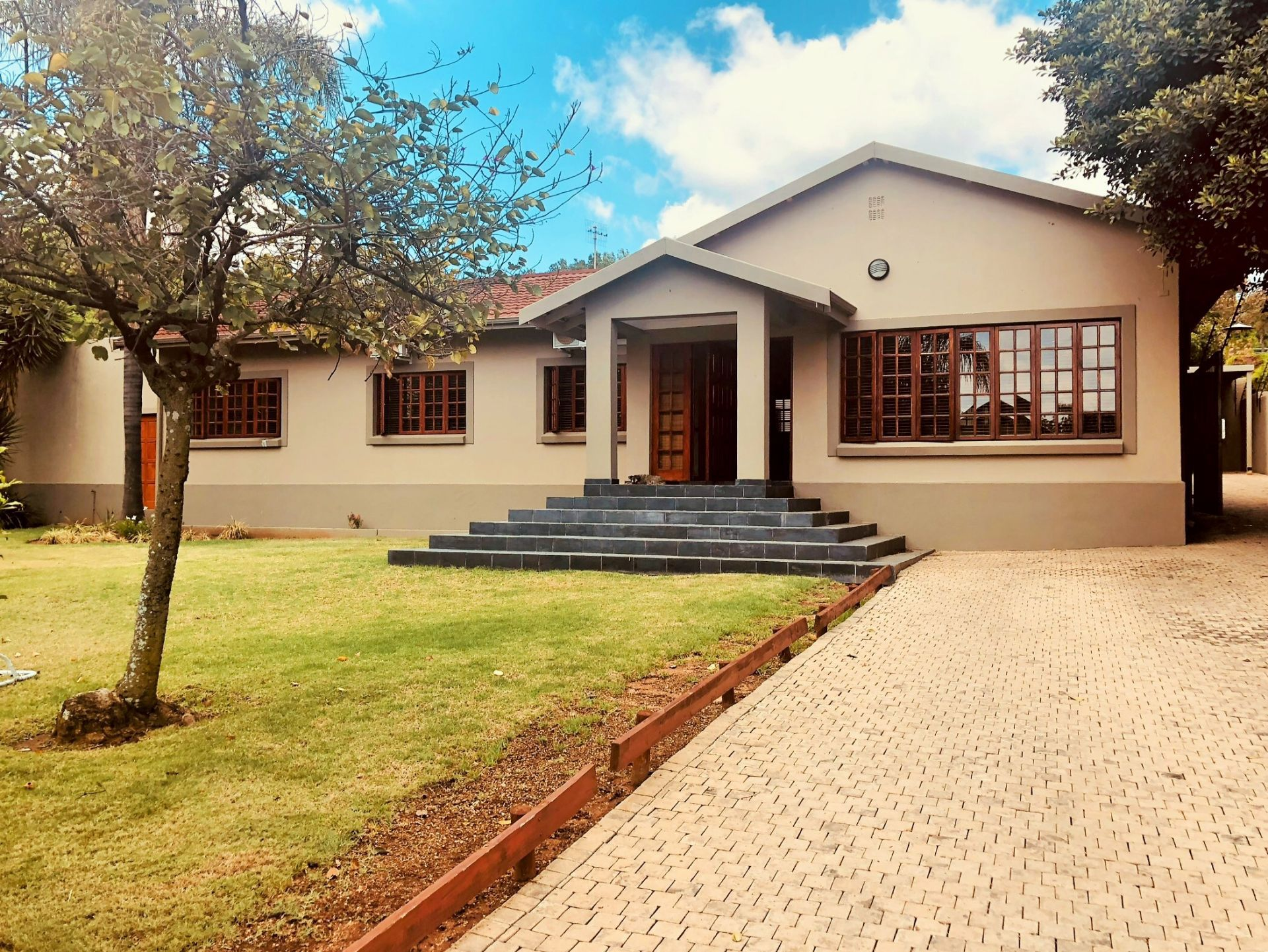 Property and Houses for sale in Groenkloof, House, 5 Bedrooms - ZAR 3,990,000