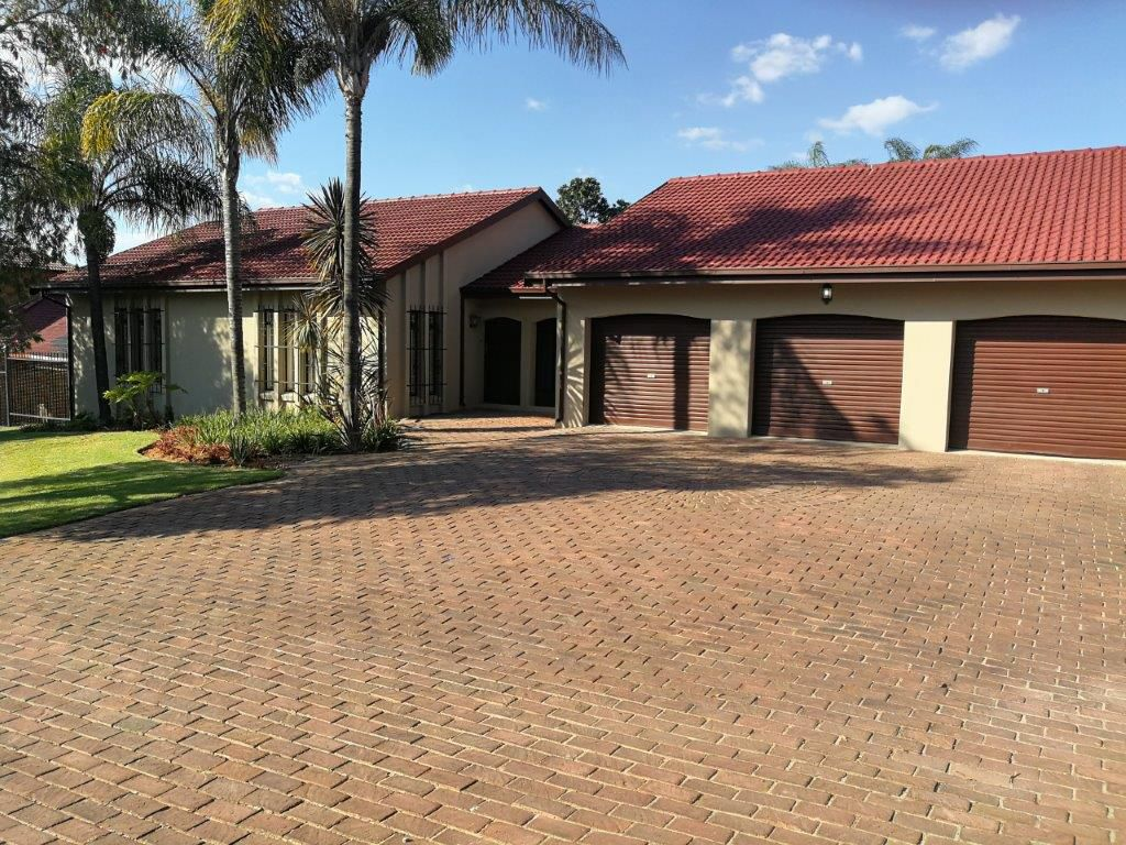 Property and Houses for sale in Waterkloof Heights, House, 6 Bedrooms - ZAR 3,200,000
