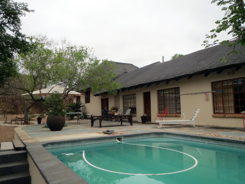 Hoedspruit, Ndlovumzi Property    Houses For Sale Ndlovumzi, NDLOVUMZI, Lodge 2 bedrooms property for sale Price:1,995,000
