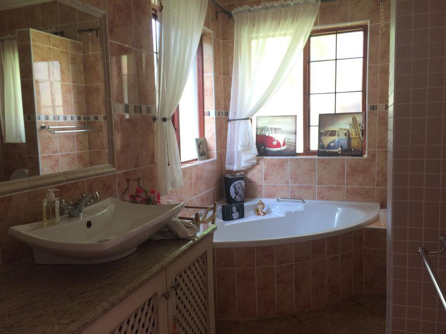 Phalaborwa property for sale. Ref No: 12791084. Picture no 15