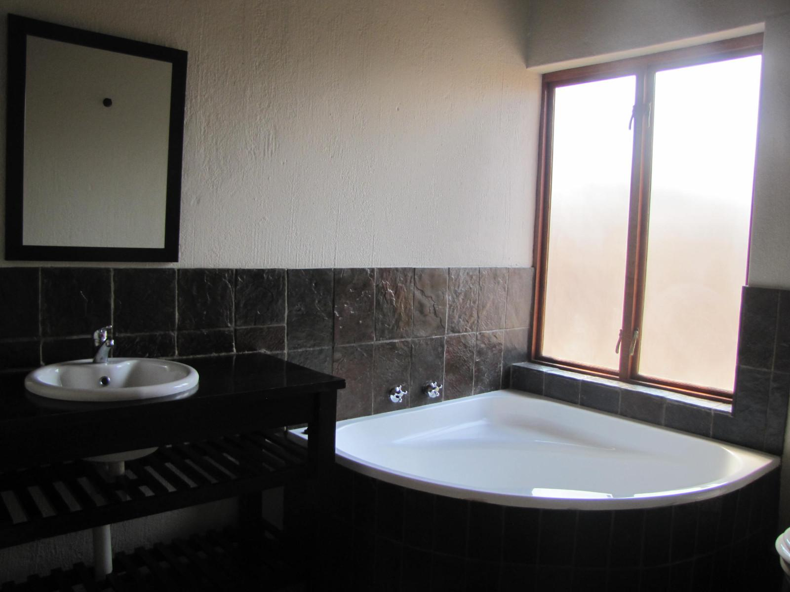 Hoedspruit Wildlife Estate property for sale. Ref No: 13302469. Picture no 11