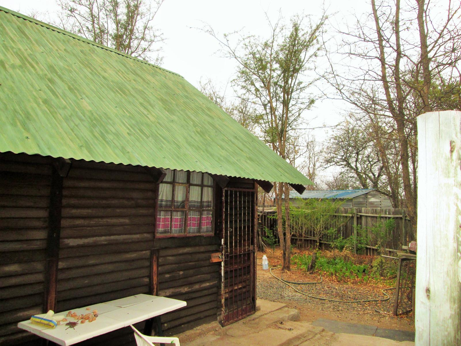 Hoedspruit property for sale. Ref No: 13242593. Picture no 16