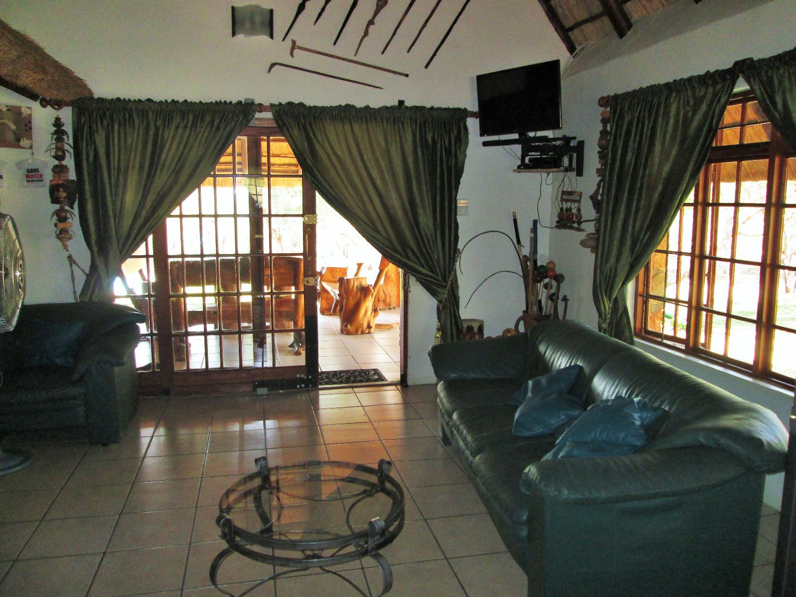 Hoedspruit property for sale. Ref No: 13242593. Picture no 10