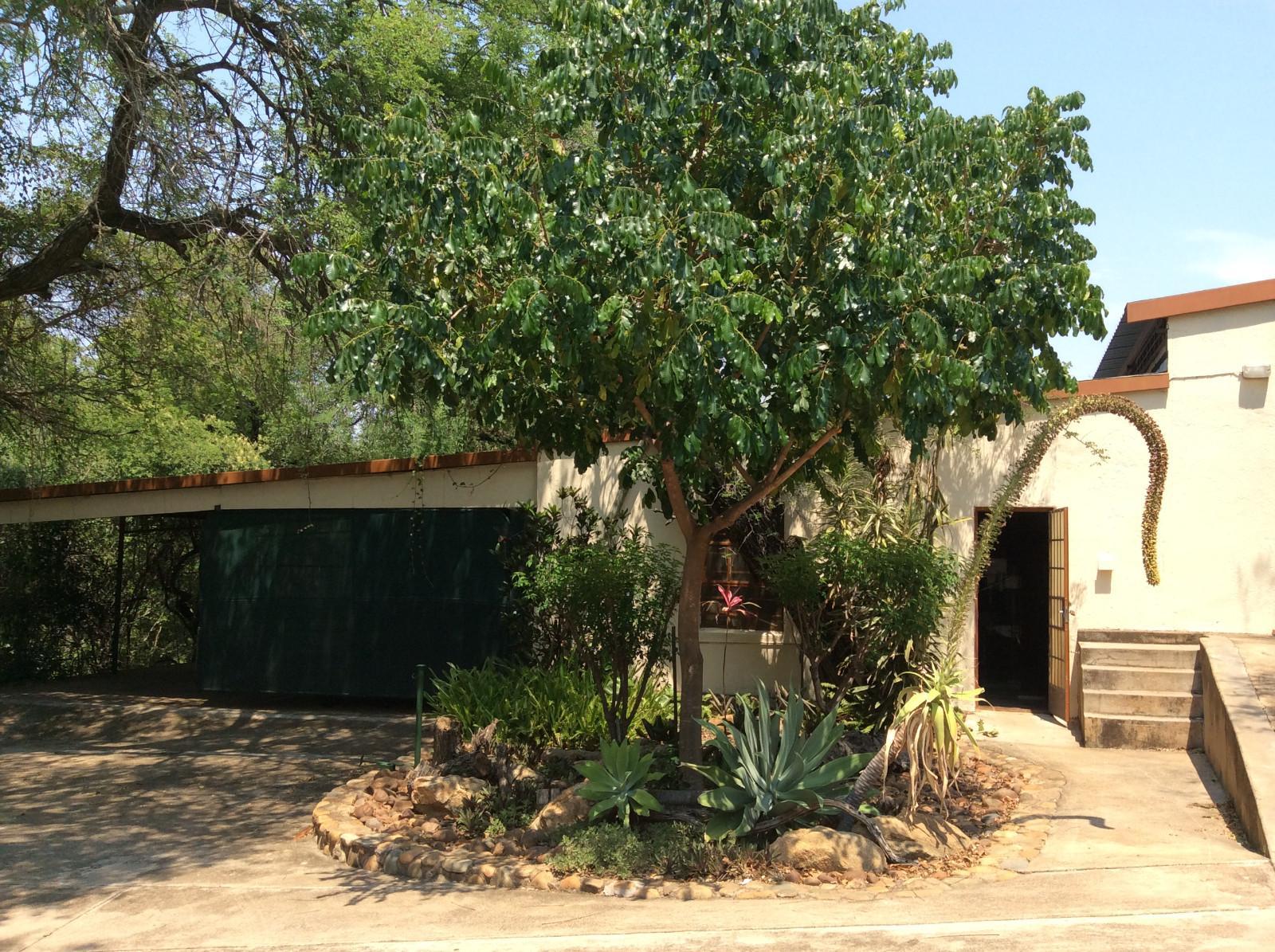 Hoedspruit property for sale. Ref No: 13294782. Picture no 22
