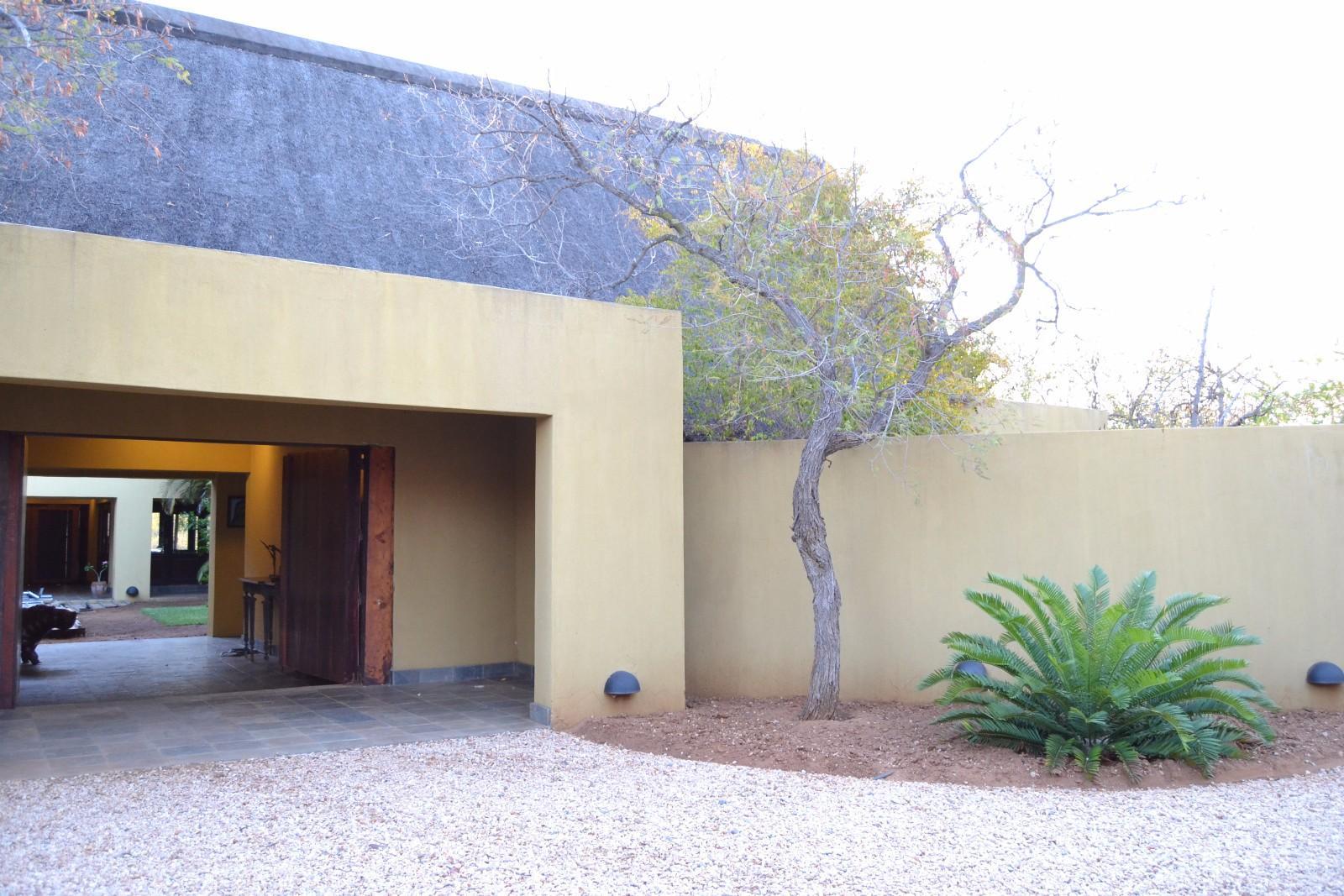 Raptors View Wildlife Estate property for sale. Ref No: 13444340. Picture no 10