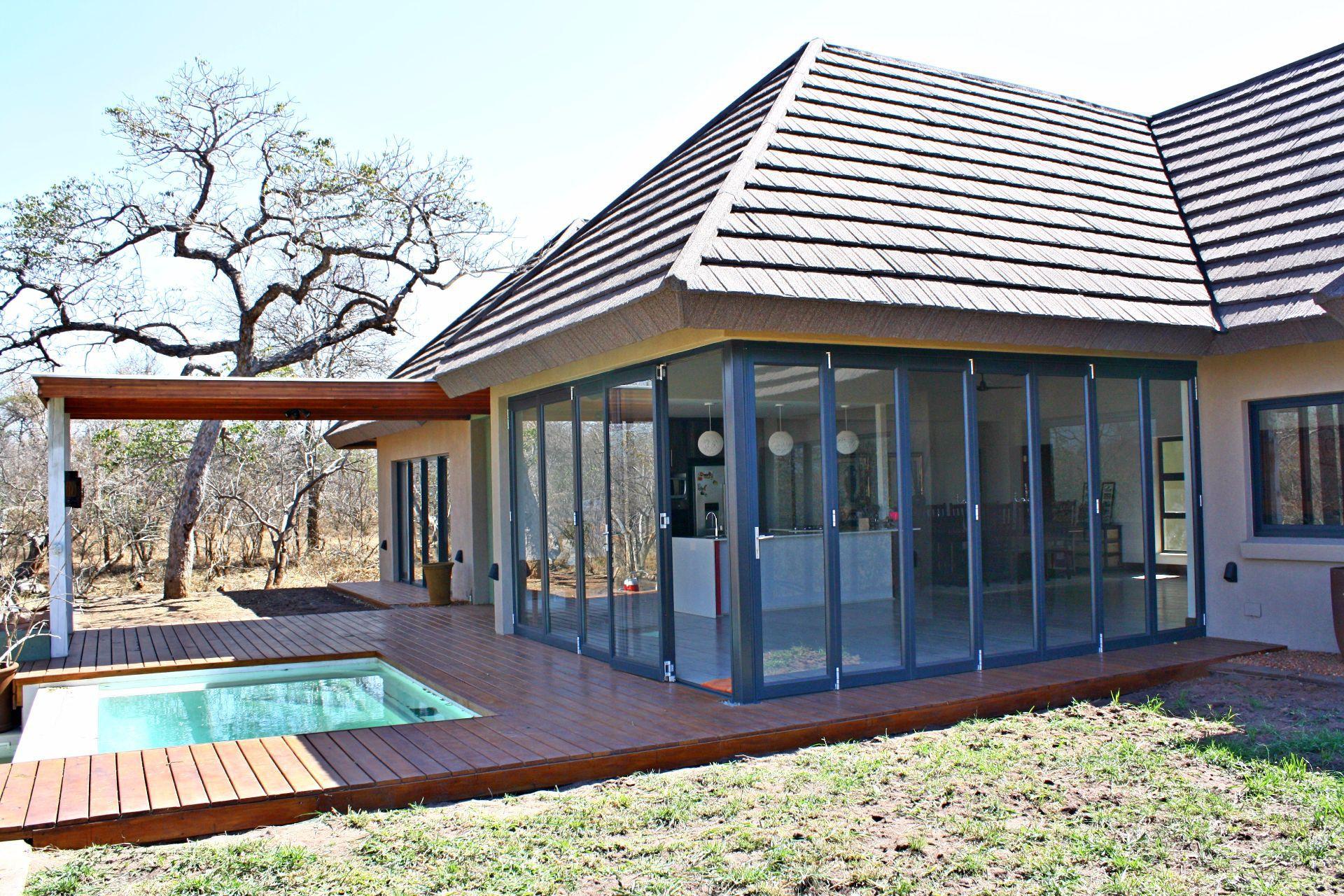 Hoedspruit Wildlife Estate property for sale. Ref No: 13523819. Picture no 19