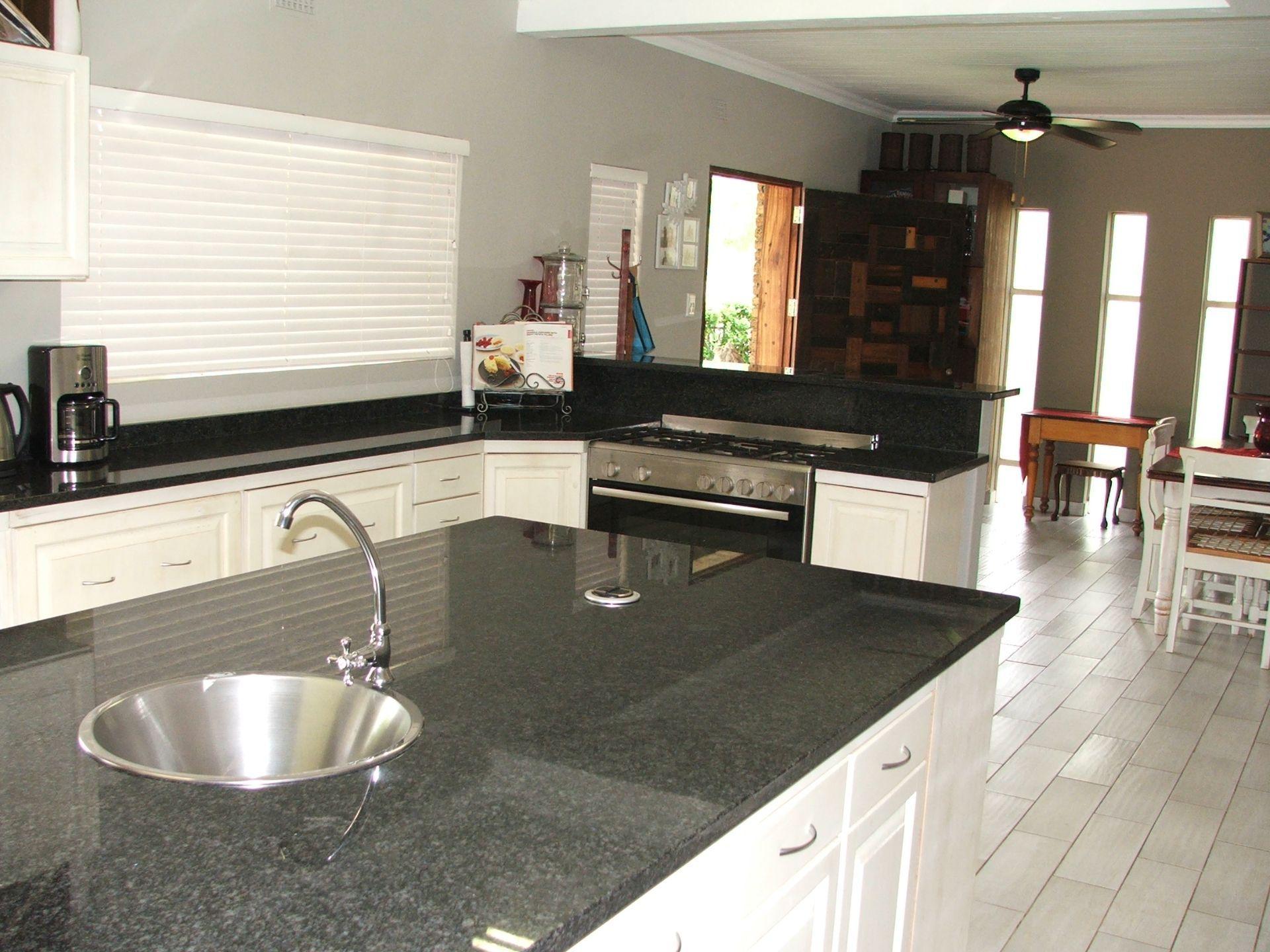 Hoedspruit property for sale. Ref No: 13576108. Picture no 8