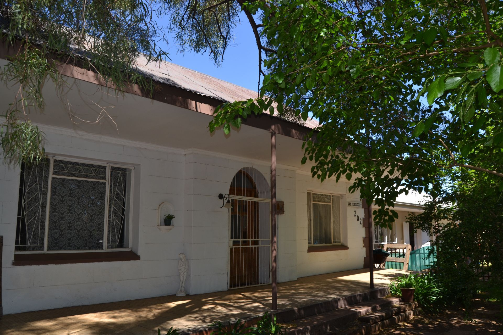 Potchefstroom Central property for sale. Ref No: 13563400. Picture no 2