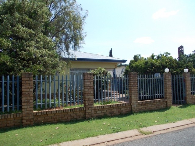 Potchefstroom Central property for sale. Ref No: 2941852. Picture no 2