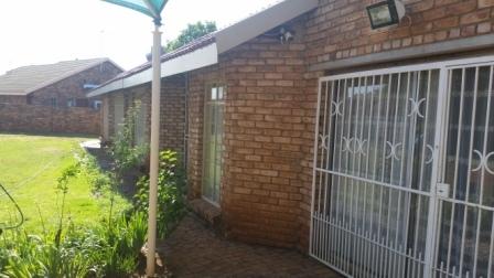 Potchefstroom, Bult West Property  | Houses For Sale Bult West, BULT WEST, House 6 bedrooms property for sale Price:1,095,000