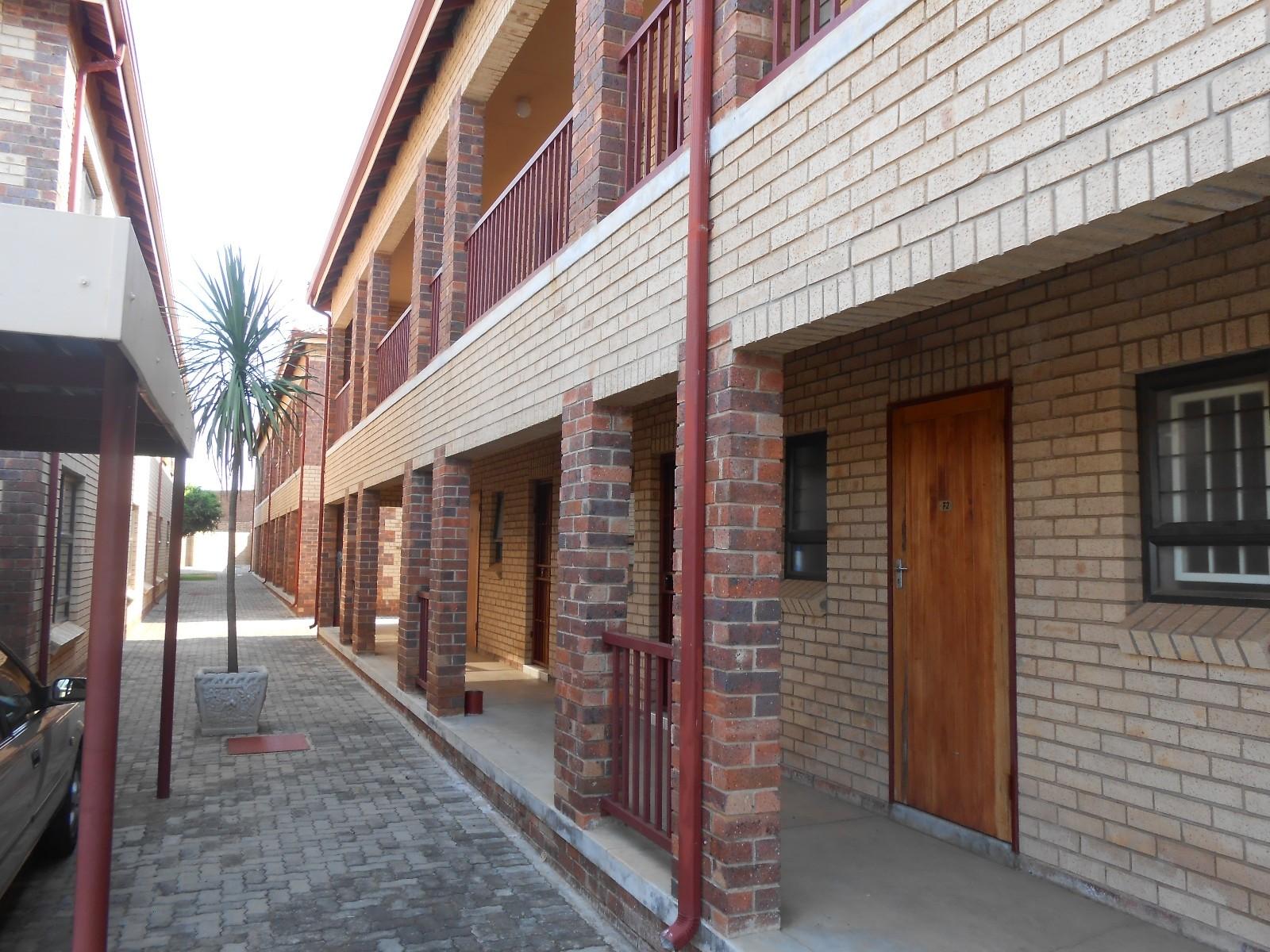 Dassie Rand property for sale. Ref No: 13323154. Picture no 2