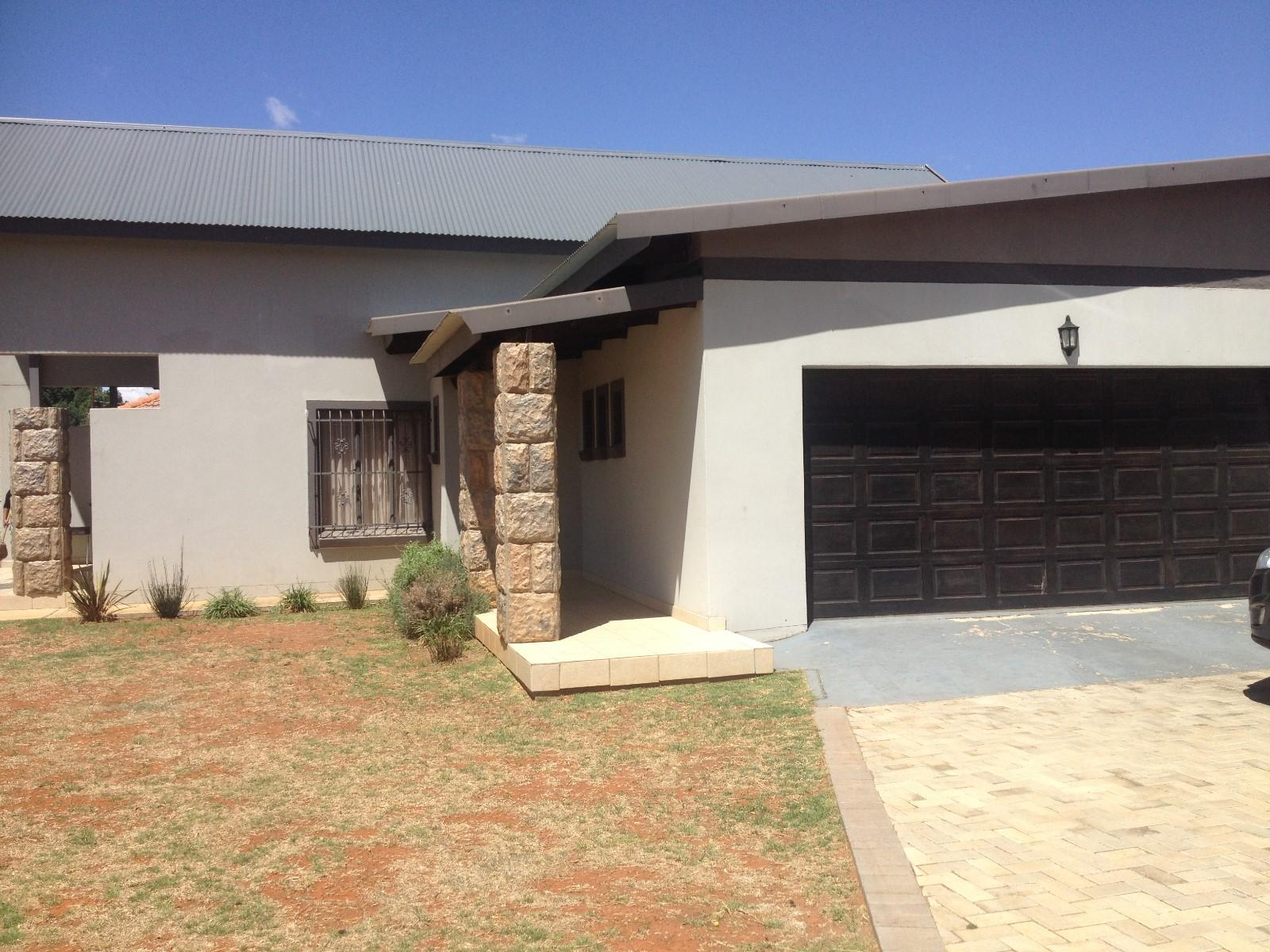Potchefstroom, Baillie Park Property  | Houses To Rent Baillie Park, BAILLIE PARK, Simplex 3 bedrooms property to rent Price:,  7,00*