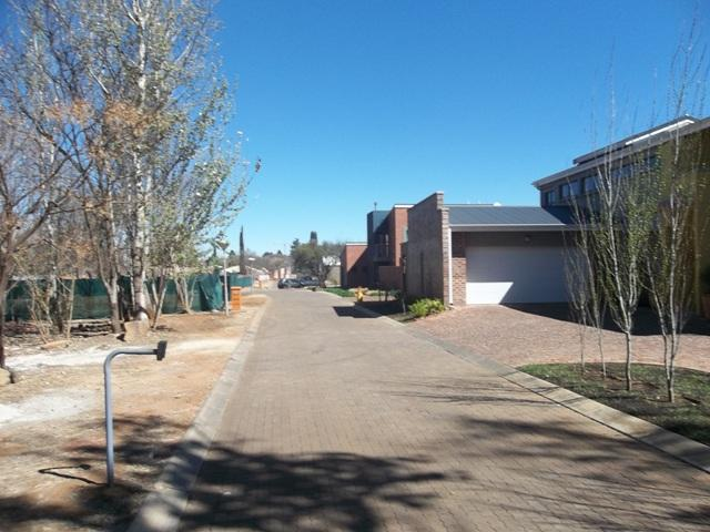 Van Der Hoff Park for sale property. Ref No: 12781468. Picture no 2
