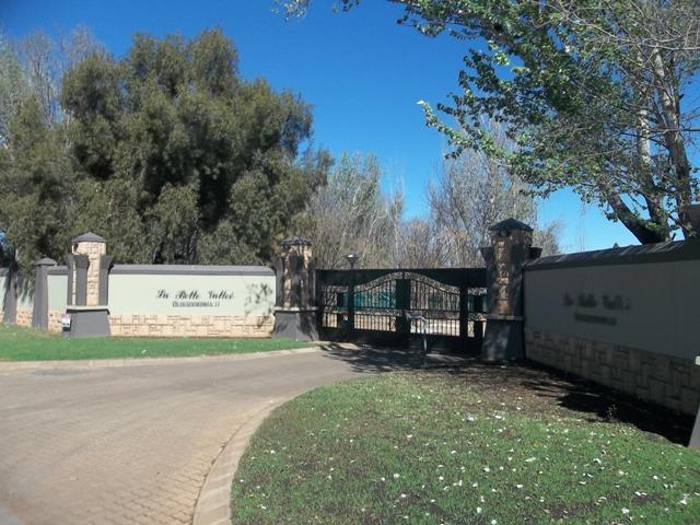 Van Der Hoff Park for sale property. Ref No: 12781468. Picture no 4