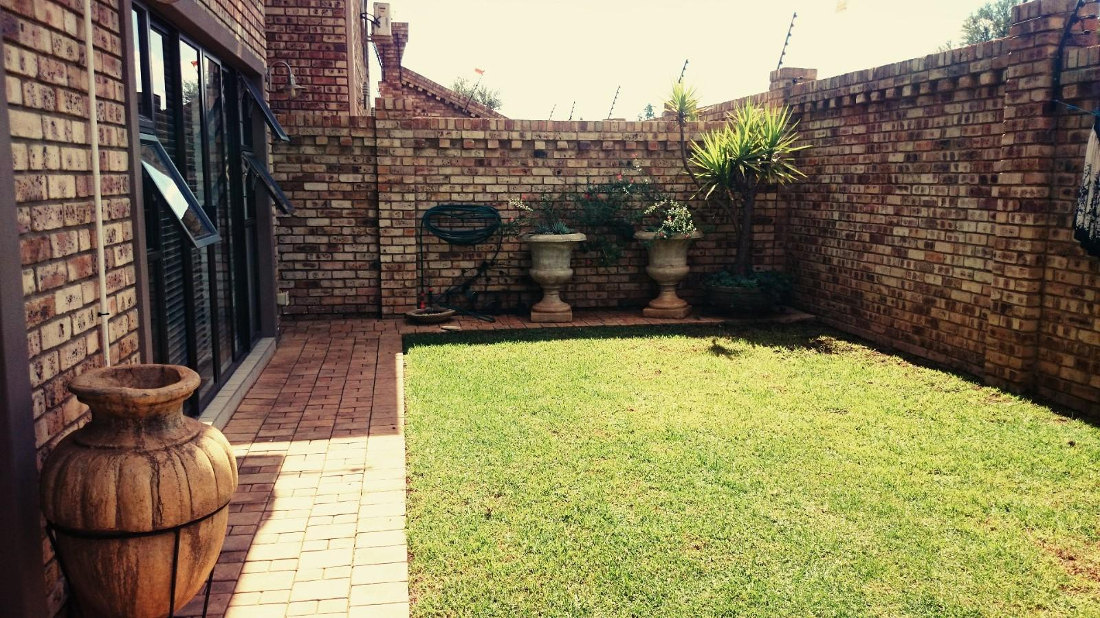 Mooivallei Park property to rent. Ref No: 12786109. Picture no 2