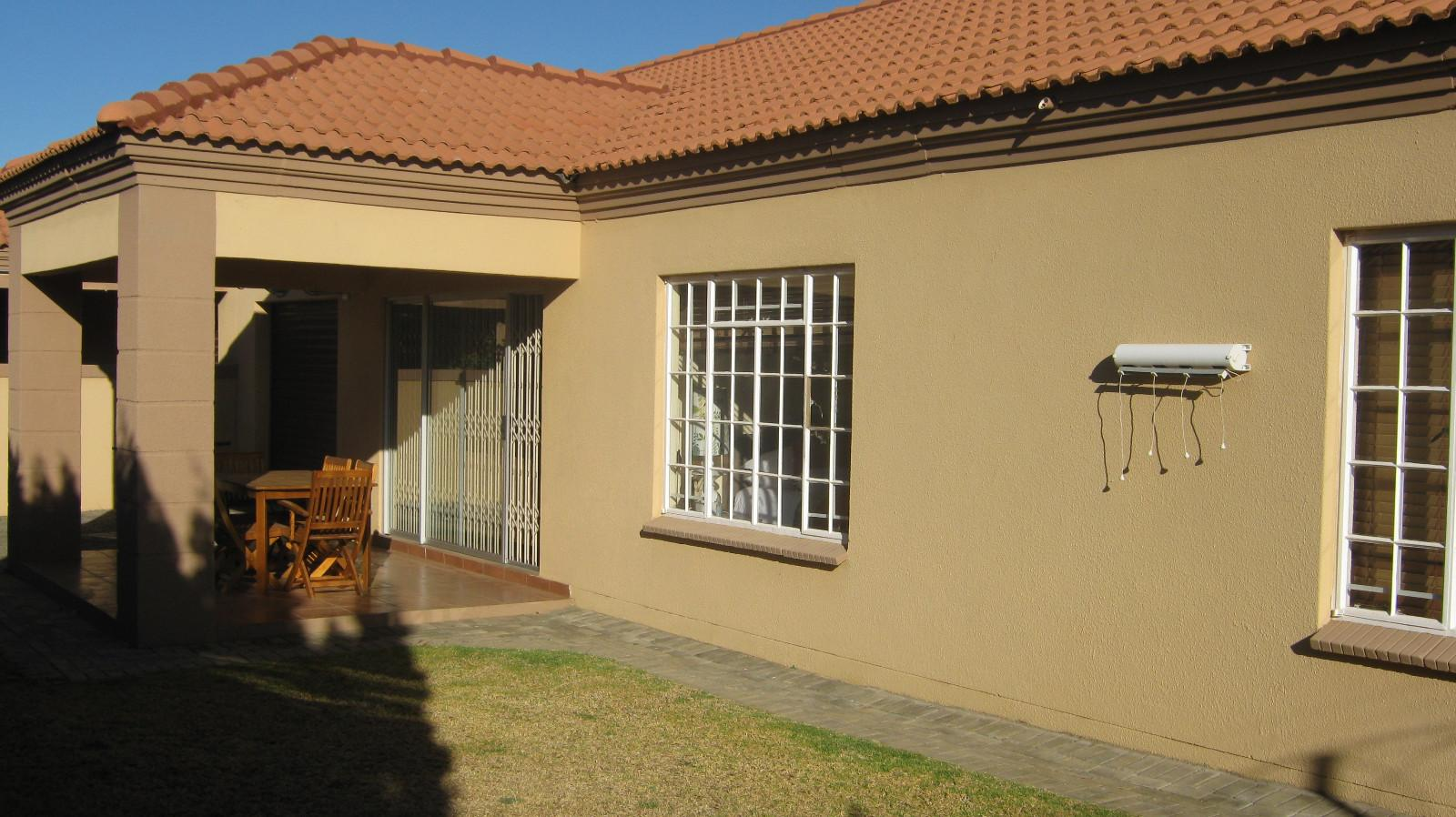 Baillie Park property for sale. Ref No: 12797141. Picture no 1