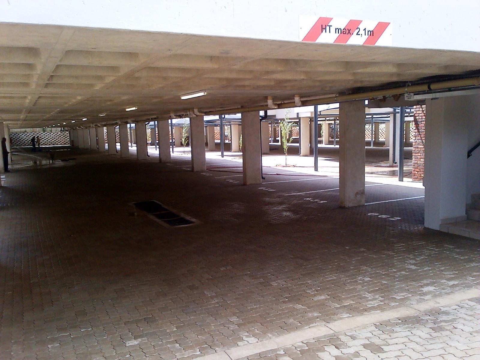 Van Der Hoff Park property for sale. Ref No: 12798308. Picture no 6