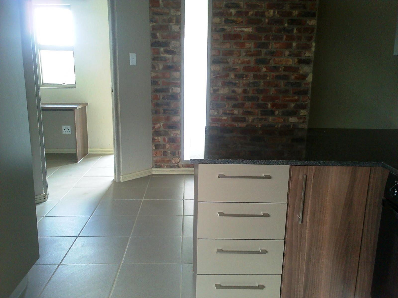 Van Der Hoff Park property for sale. Ref No: 12798308. Picture no 9