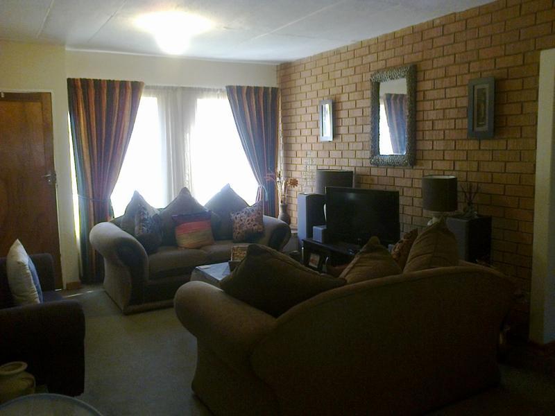 Van Der Hoff Park property to rent. Ref No: 13237845. Picture no 4