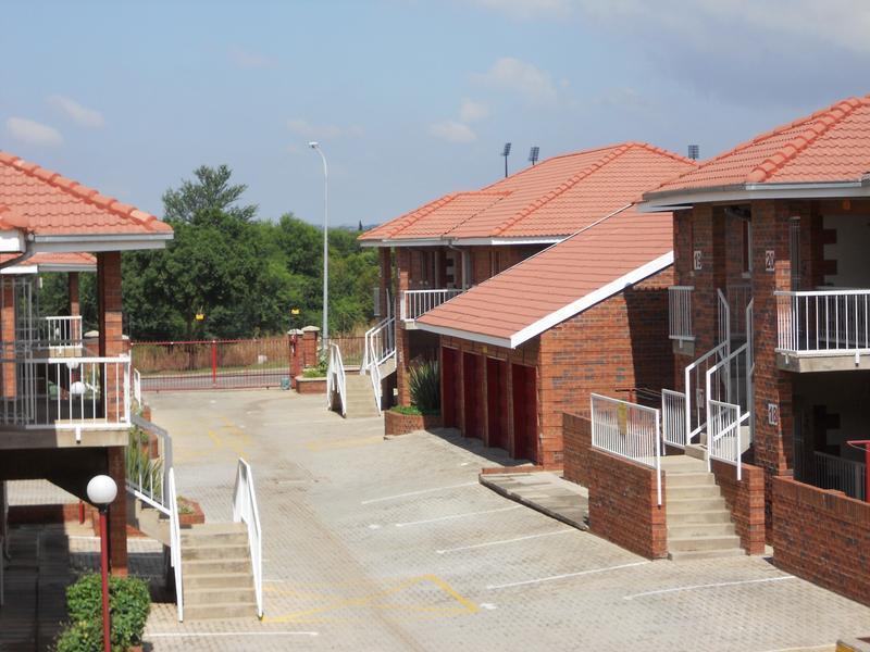 Van Der Hoff Park property to rent. Ref No: 13237845. Picture no 3
