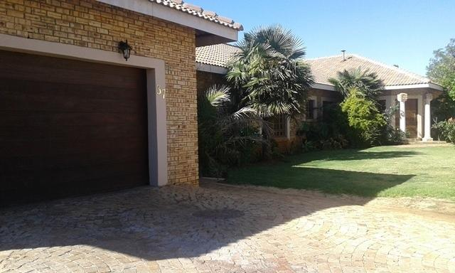 Property and Houses to rent in Van Der Hoff Park, House, 5 Bedrooms - ZAR , 14,00*,M