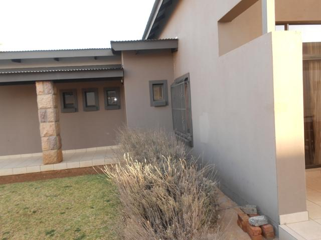 Baillie Park property for sale. Ref No: 13278024. Picture no 6